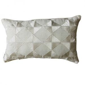 ANCIENT TEMPLES/A16 0084/CREAM/OUVRAGE-GEO/50x30cm CUSHION COVER
